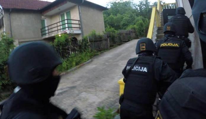 Najnovije informacije o jučerašnjoj policijskoj akciji: Tužilaštvo traži pritvor za 16 osoba