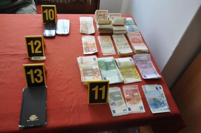 U apotekama EUROPHARM i jedne osobe u Zenici pronađeno 37.420 KM i 9.210 tableta