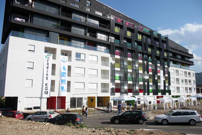 """FOTO: U Zenici svečano otvoren stambeni kompleks """"Makovi"""""""