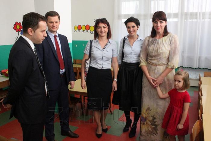 FOTO: IK Banka uručila donaciju zeničkom obdaništu Pinokio