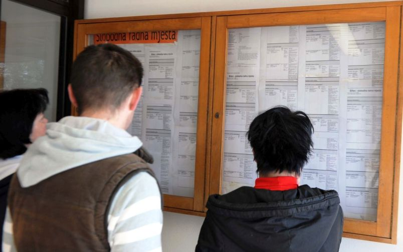 Broj zaposlenih u FBiH za manje od tri sedmice smanjen za 13.842