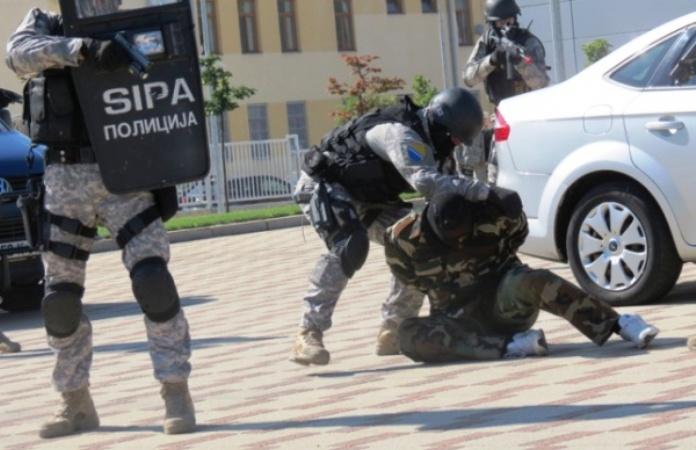 SIPA otkrila veću količinu naoružanja i vojne opreme, uhapšena jedna osoba