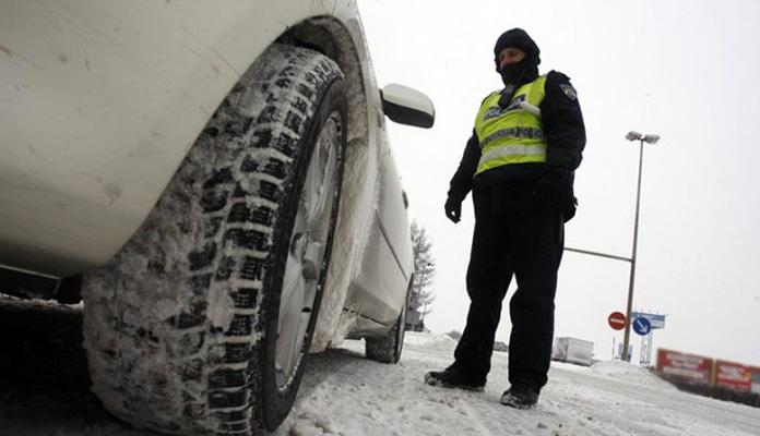 Od danas obavezna zimska oprema a kazne za neupotrebu idu od 40 do 500 KM