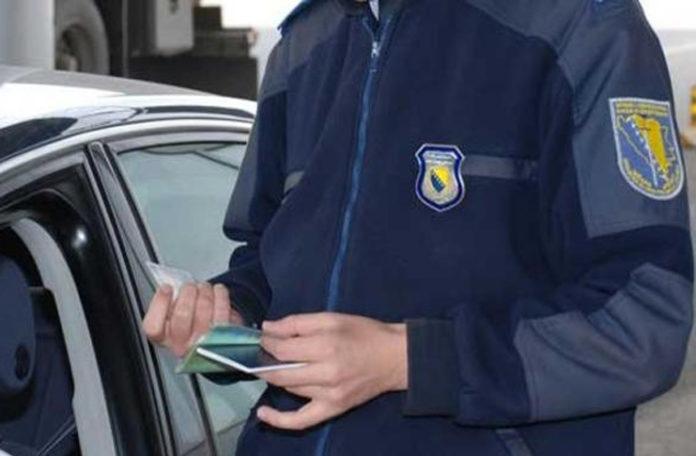 Granični službenik BiH dobio otkaz jer je uzeo 50 eura od Nijemca za prelazak granice