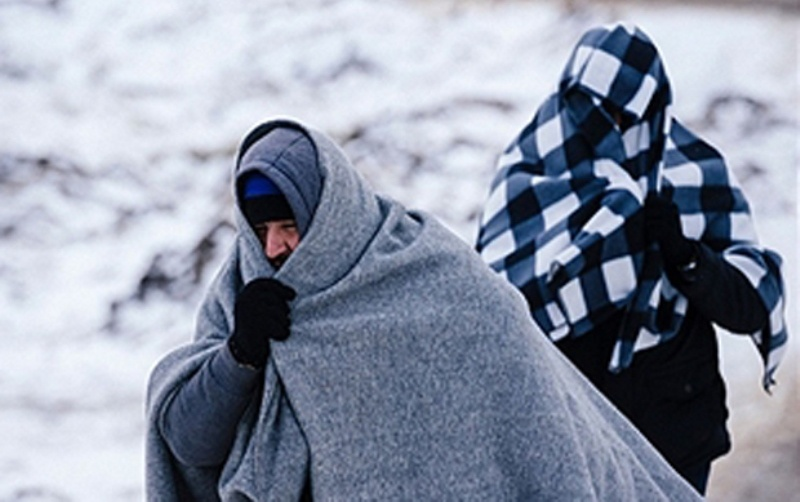 Snijeg i led prekrili migrantski kamp Vučjak (VIDEO)