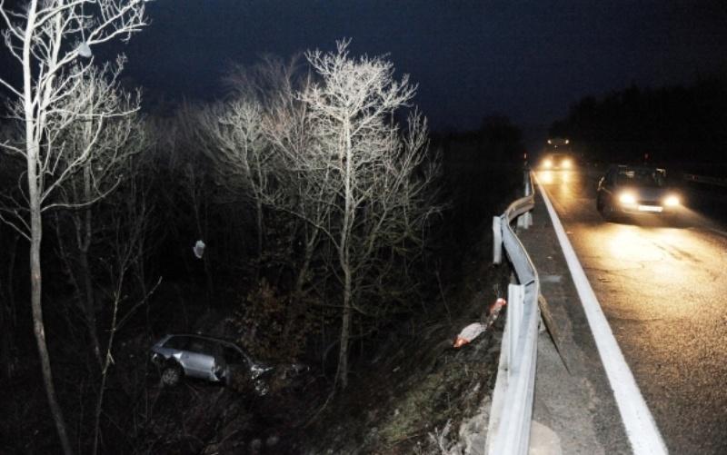 Saobraćajna nesreća kod Zenice: Djevojka poginula u slijetanju Peugeota s ceste