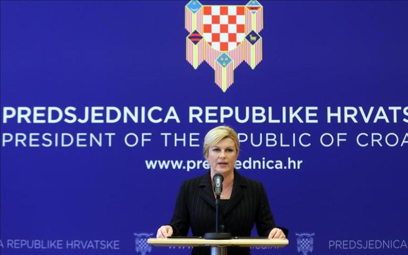 Grabar-Kitarović osudila Šešeljev skup u Hrtkovcima i uputila kritiku Srbiji