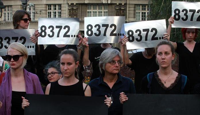 Žene u crnom: Državni vrh Srbije treba priznati genocid u Srebrenici