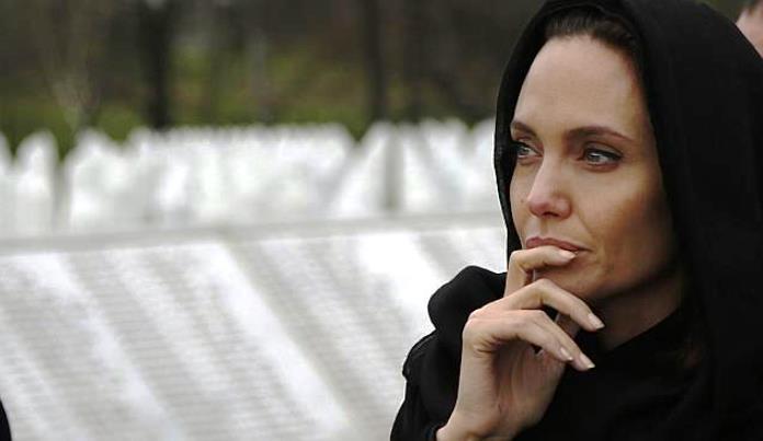 Angelina Jolie: Danas mislim na Majke Srebrenice i sve ostale preživjele...