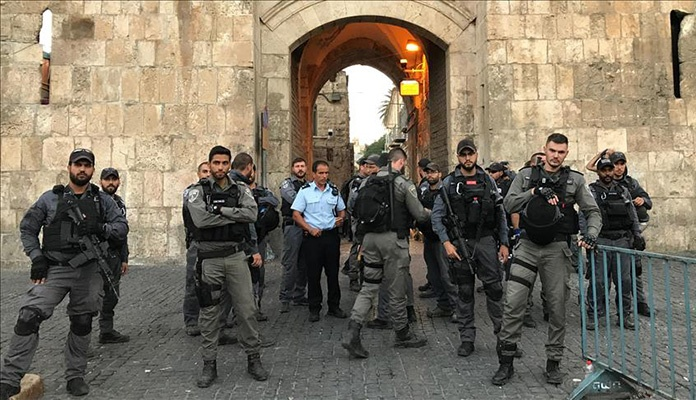 Izraelska policija nasrnula na Palestince ispred Al Akse