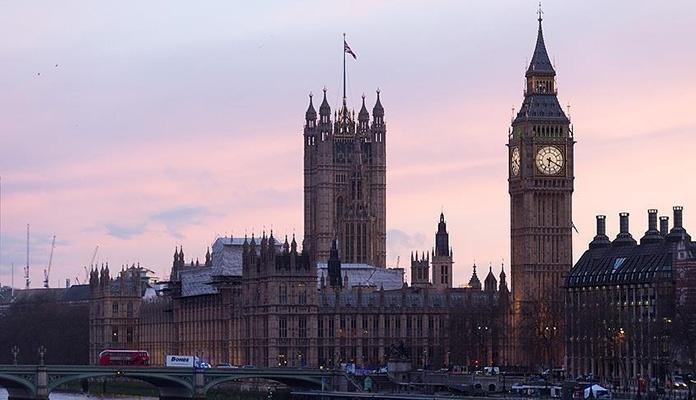 Vanredno u Britaniji: Ugašena svjetla ili svijetla budućnost