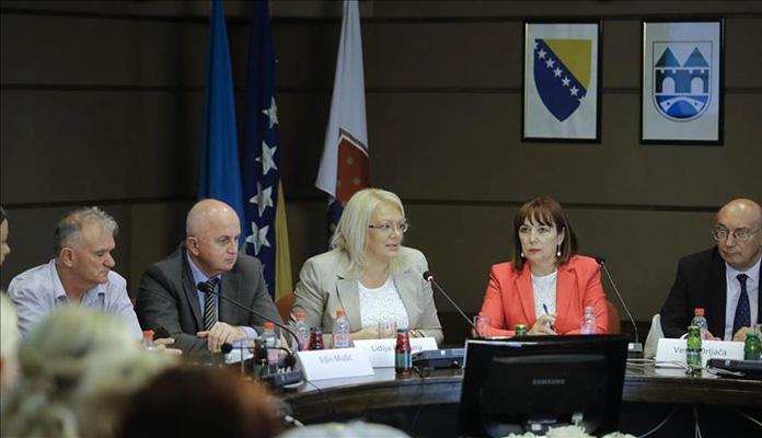 Mahmutbegović: Nužno je promijeniti zakonski status porodilja
