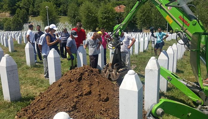 Reekshumacija i spajanje pronađenih posmrtnih ostataka u Potočarima