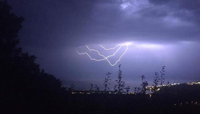 Žuti meteoalarm za pojedina područja zbog grmljavine
