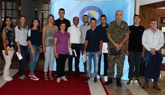 Jedanaest kadeta iz BiH odlazi na Vojnu akademiju u Srbiju