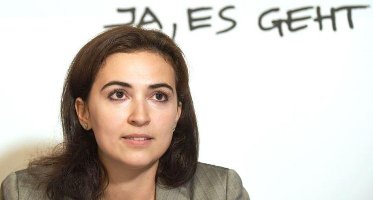 Tuzlanka u Vladi Sebastiana Kurza: Alma Zadić ministrica pravde Austrije