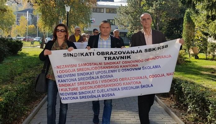 Prosvjedna šetnja prosvjetara u Travniku