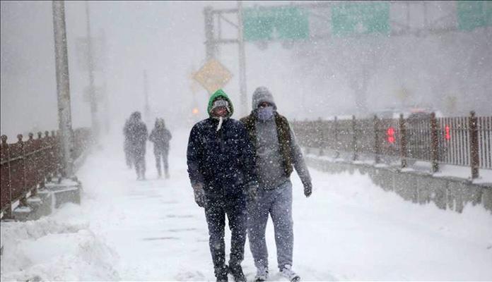 Snažna snježna oluja pogodila američku istočnu obalu