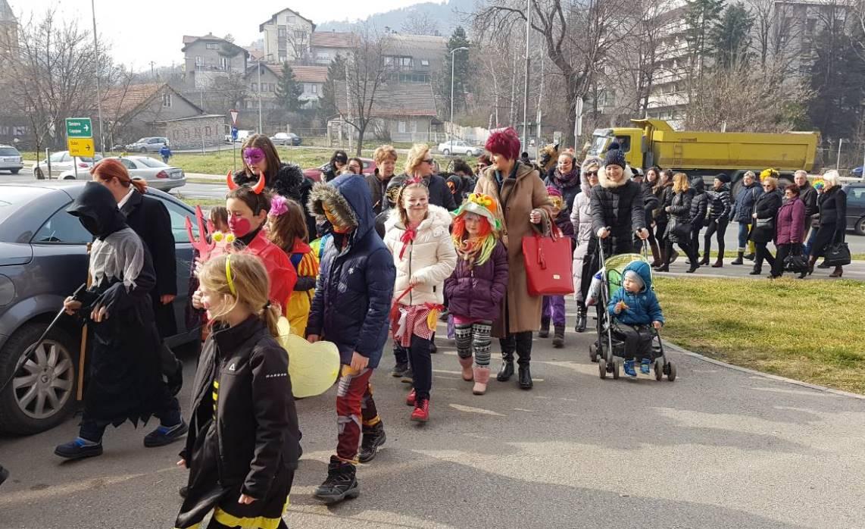 """Održan karneval """"Maškare na otvorenom"""" u Zenici (FOTO)"""