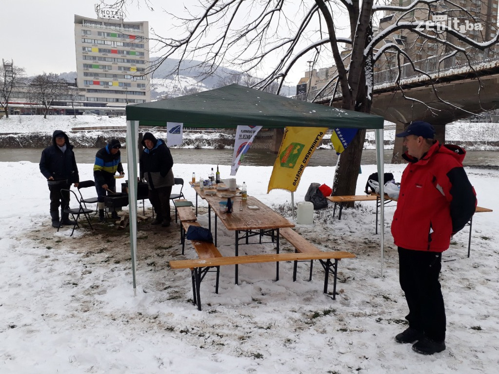 Snijeg i loše vrijeme uticali na zeničku Čimburijadu (VIDEO+FOTO)