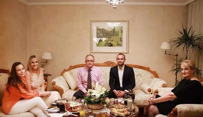 Amel Tuka zaprosio svoju dugogodišnju djevojku Aminu Pivić