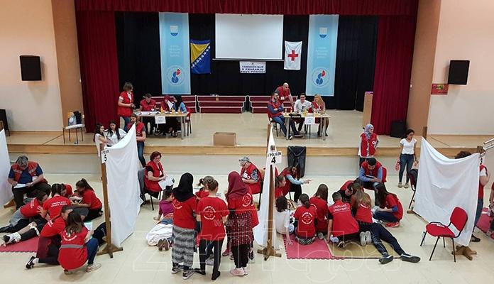 Crveni križ Zenica organizovao takmičenje u pružanju prve pomoći