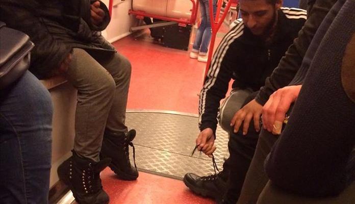 Mladić bosonogom dječaku iz Sirije poklonio vlastite cipele