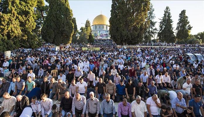 Blizu 100.000 vjernika u Al-Aksi klanjalo Bajram-namaz