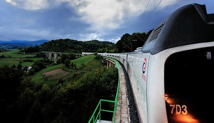 Od 15. juna bh. vozom prema Neumu, Makarskoj i Splitu