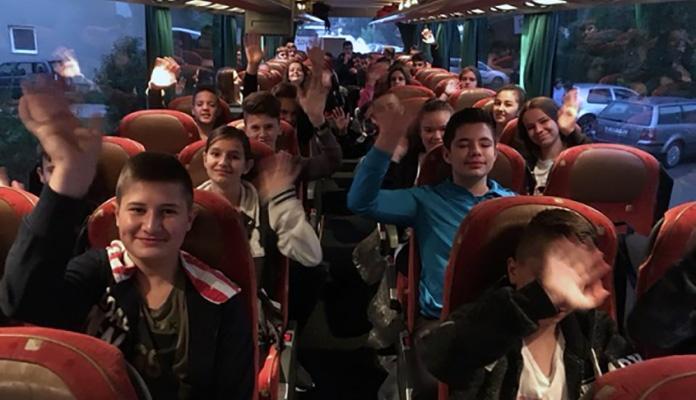 Anonimni donator platio ekskurziju za 102 učenika
