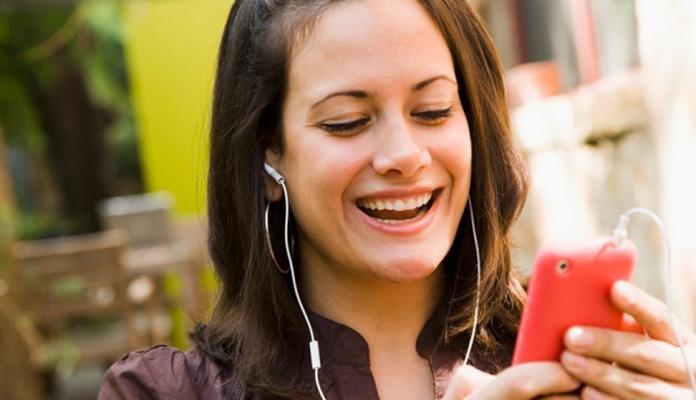 Za djecu opasno korištenje slušalica na mobitelima