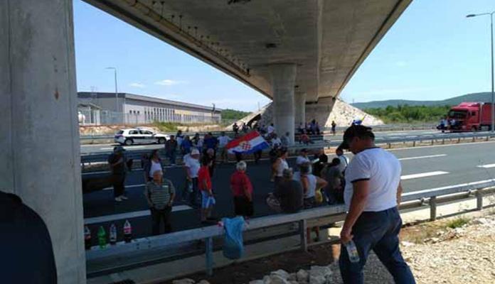 Bivši borci blokirali granični prijelaz Bijača