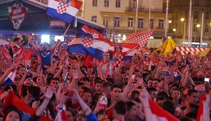 """Veličanstven doček """"Vatrenih"""" u Zagrebu (VIDEO)"""