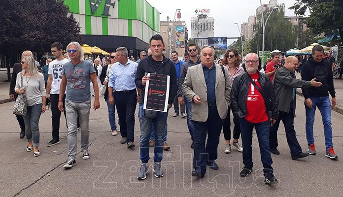 U Zenici održano okupljanje novinara zbog sve češćih napada (VIDEO)