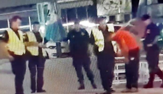 Policajac u Sarajevu šamarao građanina, ostali posmatrali (VIDEO)