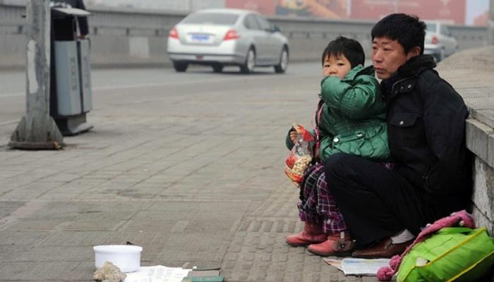 Neobičan posao: Ujedinjuje beskućnike s njihovim porodicama