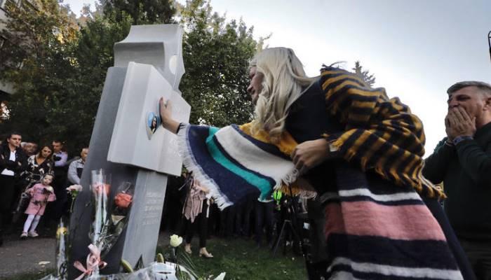 Otkriven spomenik tragično stradalim studenticama Agić i Malkoč