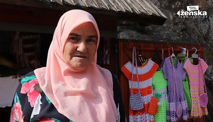 ŽIVOT NA MARGINAMA: Hedija, Lamija i Hasiba su kućnu radinost pretvorile u dodatnu zaradu (AUDIO)