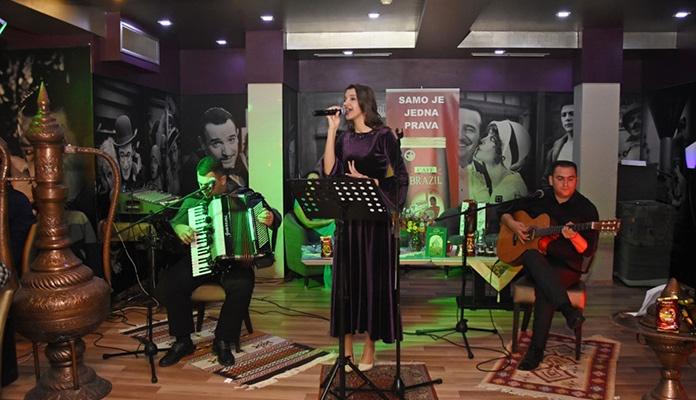 """U prepunom Family Centru """"Ekran"""" održana prva ovosezonska  Noć sevdaha i narodne muzike"""