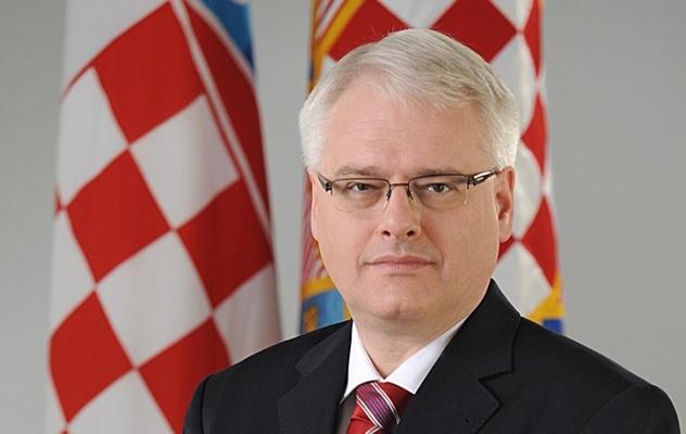 """Međunarodnu nagradu """"Isa-beg Ishaković"""" dobija Ivo Josipović"""