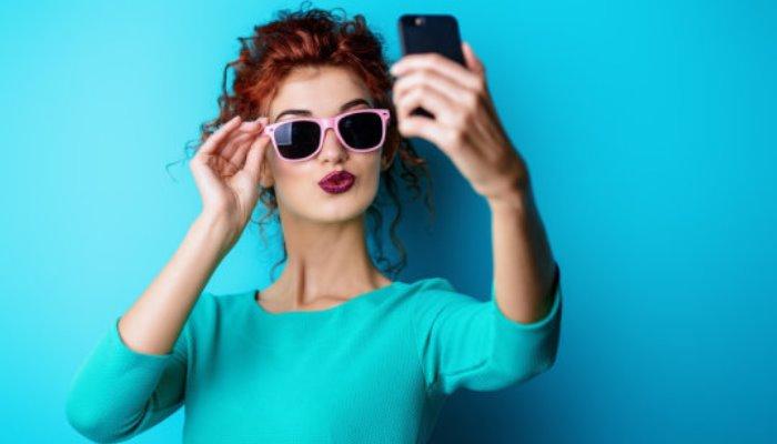 Istraživanje dokazalo da selfiji izazivaju narcizam