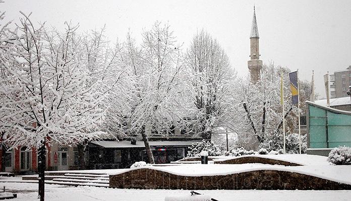 Snijeg širom BiH, slabije padavine u drugom dijelu dana