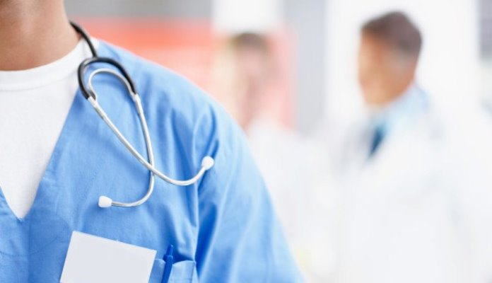 Više od 300 doktora iz Srbije traži smjenu Kriznog štaba