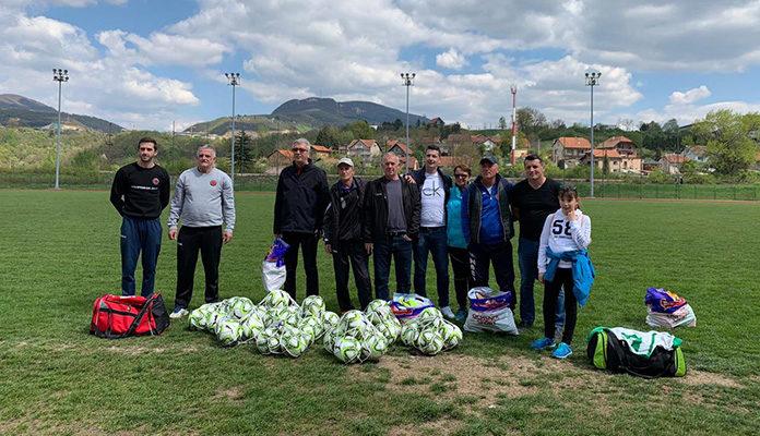 Bivši igrač zeničkog Rudara i Đerzeleza uručio donacije za klubove iz Zenice i Viteza