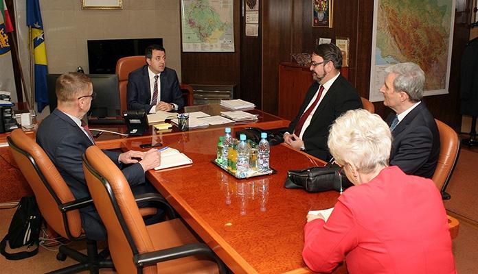 Premijer Ganić razgovarao sa rukovodstvom UNZE