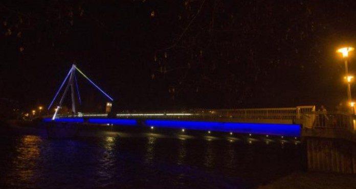 Zenički objekti sinoć svijetlili plavo povodom Svjetskog dana svjesnosti o autizmu