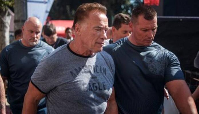 Muškarac Arnolda Schwarzeneggera udario nogom u leđa (VIDEO)