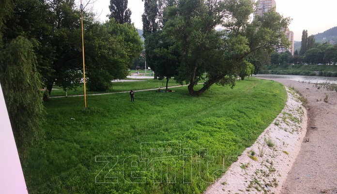 Migranti stigli i u Zenicu (FOTO)