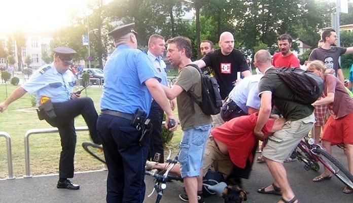 Poslanici opozicije organizuju okupljanje građana u Banjaluci