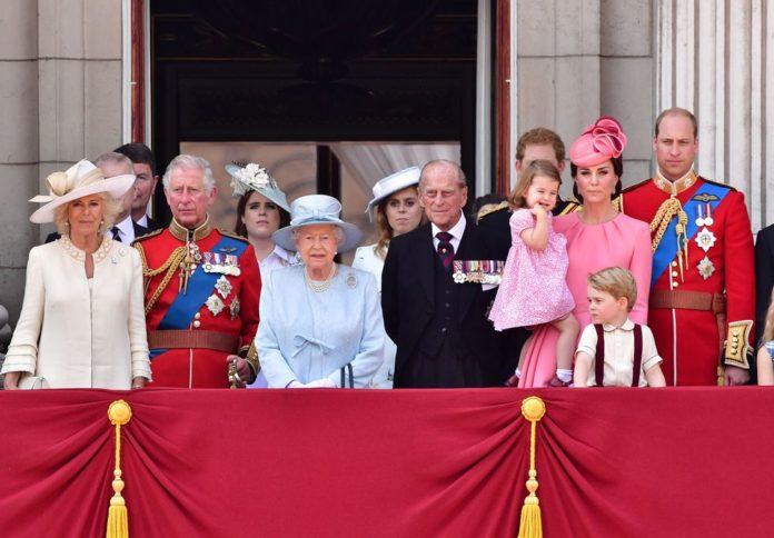 Kraljica razočarana i povrijeđena odlukom koju su donijeli Meghan i Harry